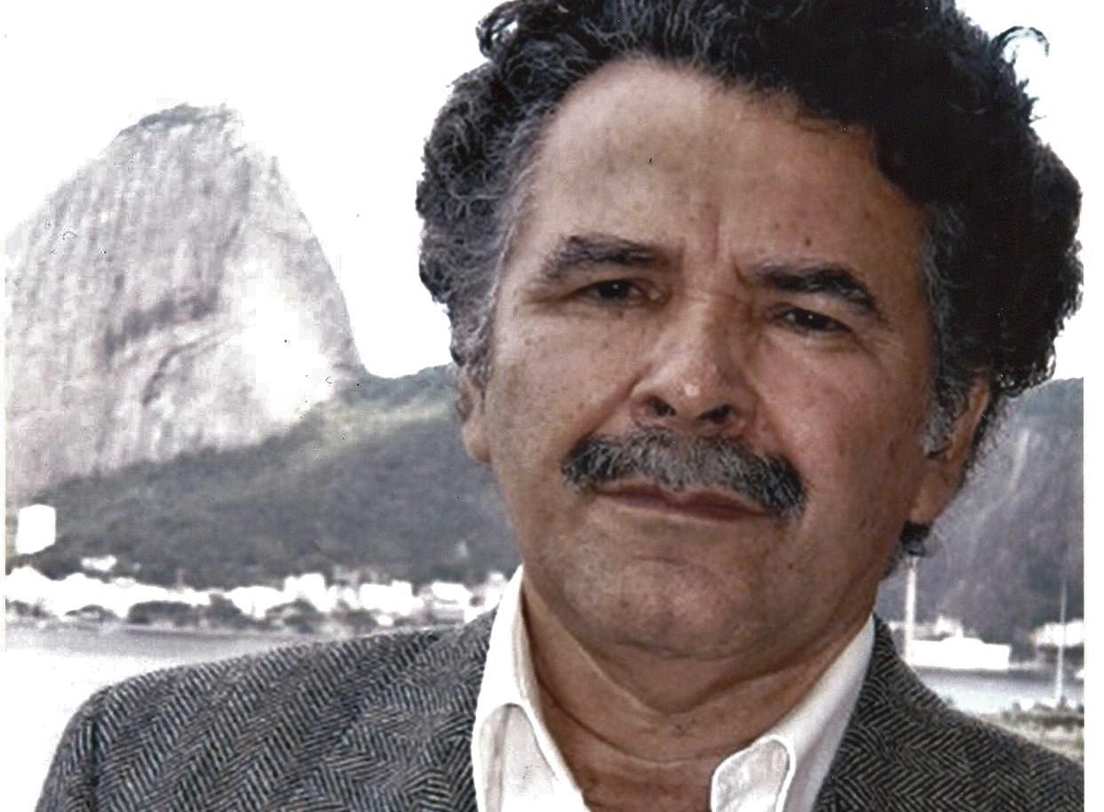 Entrevista com Cláudio Aguiar sobre o livro 'Prontuário de Infinito', de Alencart (em português)