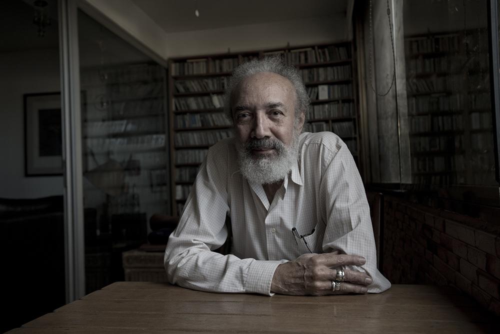 """Alfredo Chacón: """"La poesía es un prodigio verbal"""". Entrevista de José Pulido"""